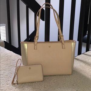 Tory Burch Shoulder Bag & Matching Wristlet Wallet